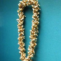 Collier, 2006, aus Gold, Email und Süßwasserperlen von Jaqueline Ryan