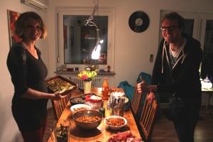 Wenn man nur noch essen kann, dann es es sehr praktisch, wenn der Geliebte Geburtstag hat und man ein Buffett kocht. Findet auch mein Bruder, gell?
